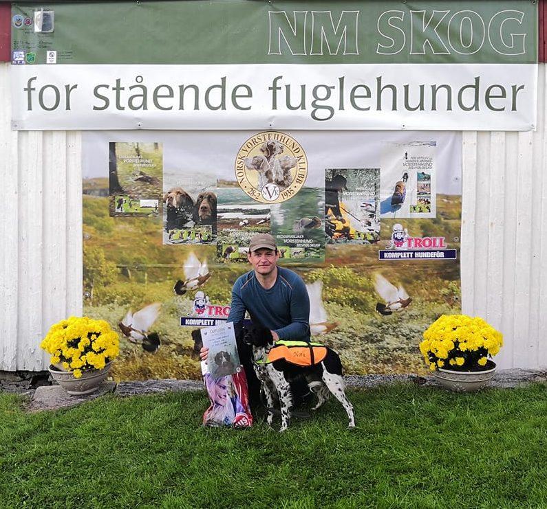 1.premie NM Kval til Litjåsen's Nora med E/F: Ørjan Edvardsen.